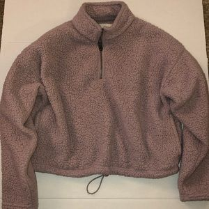 American Eagle cropped pull over